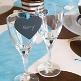 Pflaumen-farbige Deko-Klammern in Herzform zur Hochzeitsdekoration - Dekobeispiel