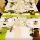Grünes Tischband aus Vlies zur Hochzeitsdekoration - Dekobeispiel