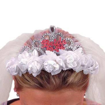 Tiara Bride to be mit Rosen und Schleier