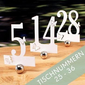 Tischnummern für die Hochzeitstafel - weiße Tischnummern mit Schmetterlingen