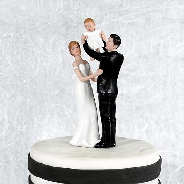 Tortenfigur Babyglück zur Hochzeit